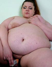 plump chubby babe